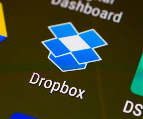 dropbox valuation dropbox s 7 billion ipo is a third from peak valuation