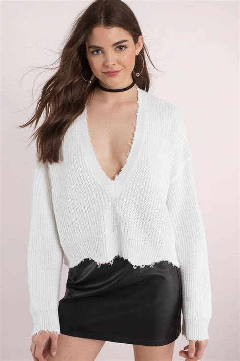 cropped sweater distressed out pink cropped sweater 32 tobi us
