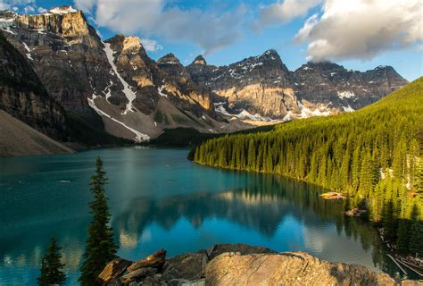 the valley of light moraine lake a night and a day in the valley of the ten