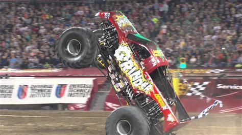 monster truck jam 2013 monster jam stadium wheelie of the year nominee 2013