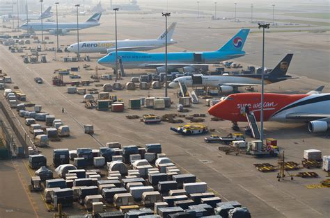 hong kong airport sees cargo growth in october ǀ air cargo news