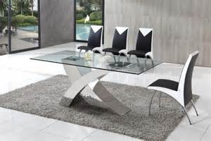 be benefited with display of glass dining table designs