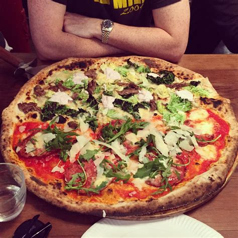 pizza jard n homeslice neal s yard restaurants in covent garden london