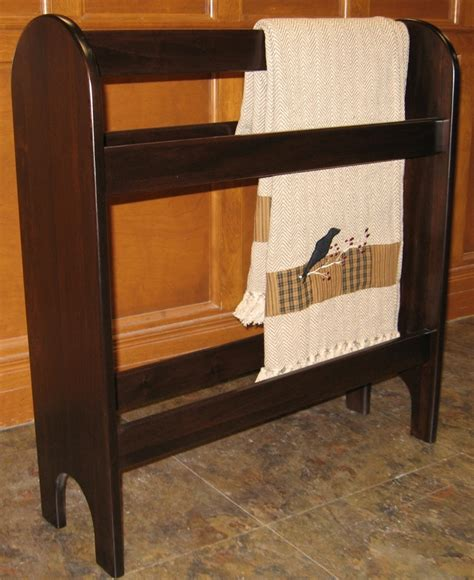 lakecity woodworkers 17 best images about quilt racks on cribs
