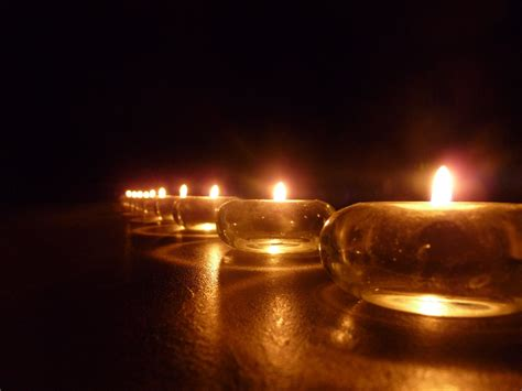 candele on line candle line free stock photo domain pictures