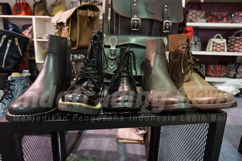 Sepatu Boots Tegep ngeri 3 pengusaha ini sulap kulit ular dan buaya jadi barang mewah inspirasi bisnis anda