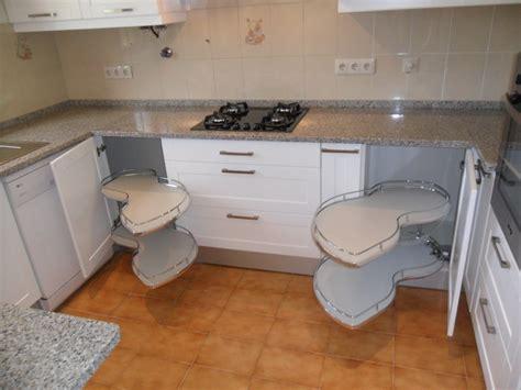 armario quarto madeira maciça cozinha planejada de madeira macia de madeira with