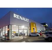 Renault Celebrates Success In Auto Express Driver Power