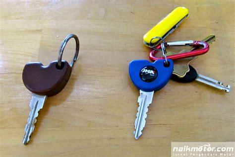 Kunci Biru Vespa Tips Kunci Vespa Kenapa Harus Pilih Warna Biru