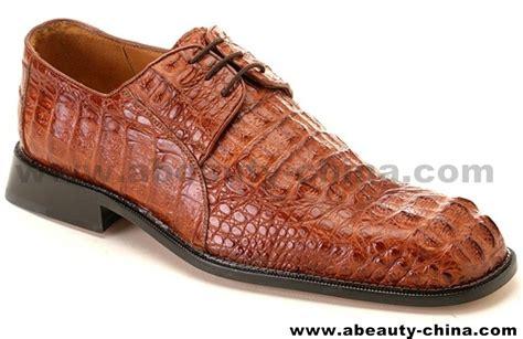 Sale Sandal Priaclarks Kulit Asli Original sepatu kulit asli sepatu dengan bahan kulit buaya asli memiliki nilai jual tinggi