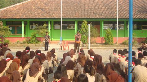november  organisasi siswa intra sekolah osis smk