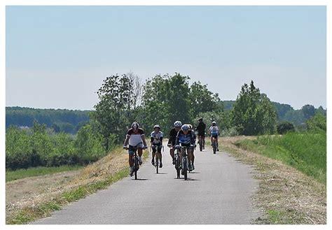 come raggiungere castelnuovo di porto lombardia in bici ciclovia po da san al porto a