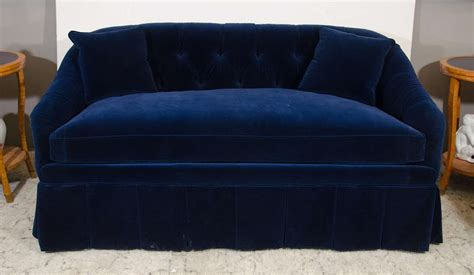 blue velvet settee 21st century blue velvet settee for sale at 1stdibs