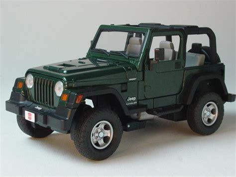 transformers jeep wrangler die cast pro transformers binal tech bt 04 scout hound
