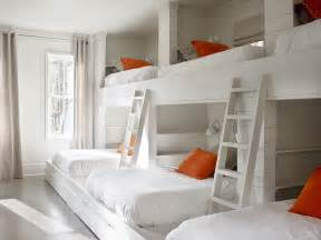Bunk Beds In A Small Room Bunk Room Design Ideas