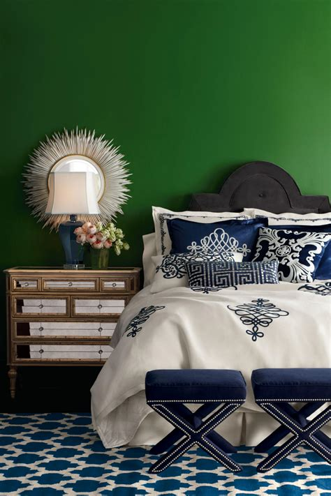 Masculine Color Schemes Bedrooms - decorating with emerald green green decorating ideas color palette and schemes for rooms in