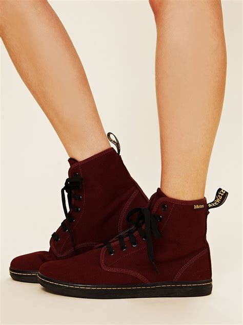 Sepatu Dr Martin Low Maroon 62 best dr martin shoes images on doc martens