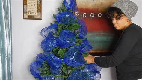 decoracion de arboles con cinta decora conmigo el arbol de navidad azul y plata navidad 17 kenimar