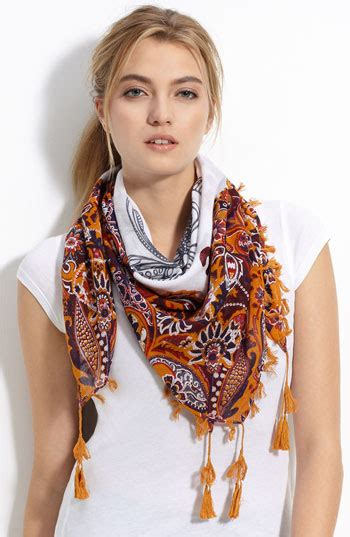 scarf trend for