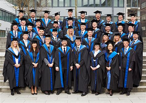 Mba Programs Open To College Seniors by Congratulations To The 2015 Executive Mba Graduates Cbs