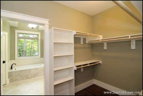 Distance Between Closet Rod And Shelf by Walk In Closet Dimensions Best Size For A Master Closet