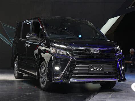 toyota voxy resmi meluncur harga rp 446 juta mobil baru