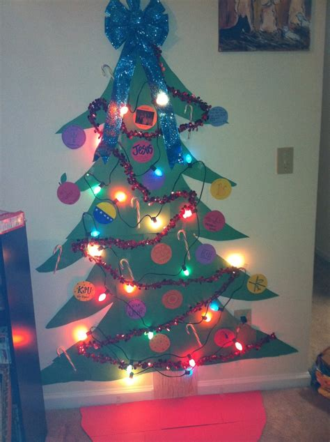 christmas tree done college style got to say i had a good