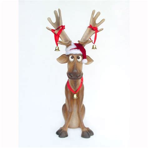 reindeer statue reindeer