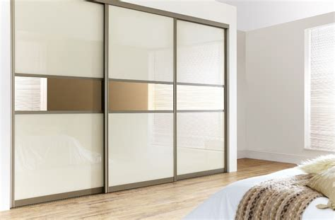 3 door sliding mirror wardrobe in glass