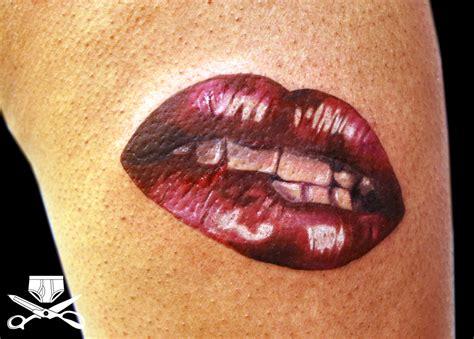 kiss my thigh hautedraws