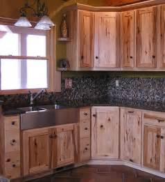 Rustic Kitchen Backsplash 25 Best Ideas About Pine Kitchen On Pinterest Pine
