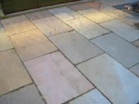 kabel data ilang painted pavers