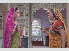 Watch Diya Aur Baati Hum TV Serial Episode 4 - Bhabho is ... Diya Aur Baati Hum Meaning