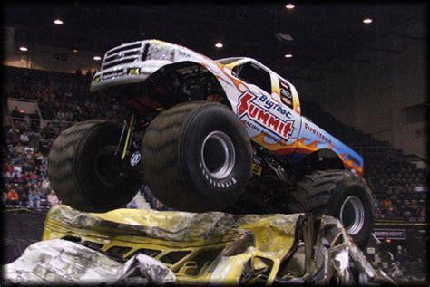 monster truck show cincinnati themonsterblog com we know monster trucks