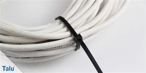 wand lesele mit kabel kabel verstecken so beseitigen sie l 228 stigen kabelsalat