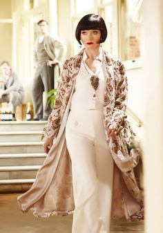 baker from the great gatsby played by elizabeth
