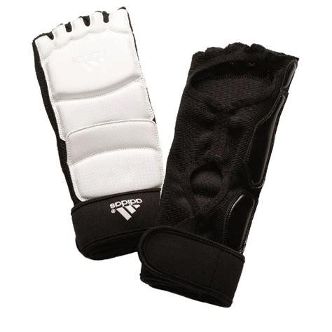 pied reglable 1818 pitaines de taekwondo adidas