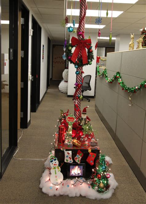 work christmas decorating ideas the office pole decorating contest mid century modern remodel