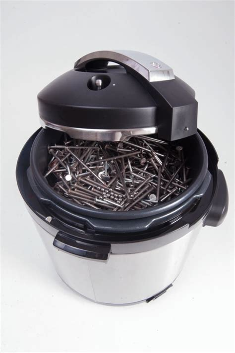boston marathon bomb devices were pressure cookers filled with nails ball bearings report ny