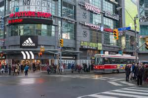 Shopping Downtown Living The In Downtown Toronto Jiggies Lifestyle Properties