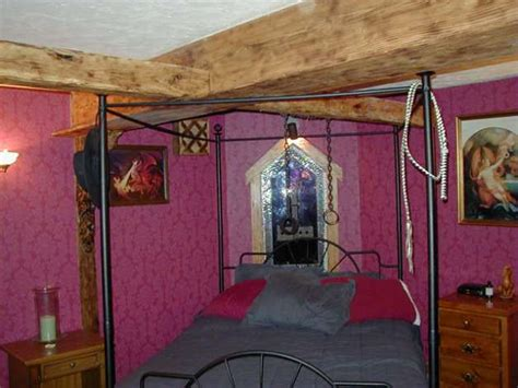 dungeon bedrooms get medieval in this home on the olympic peninsula seattlepi com