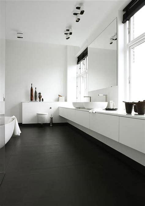 black white contemporary bathroom design interior design zwart witte badkamer wooninspiratie