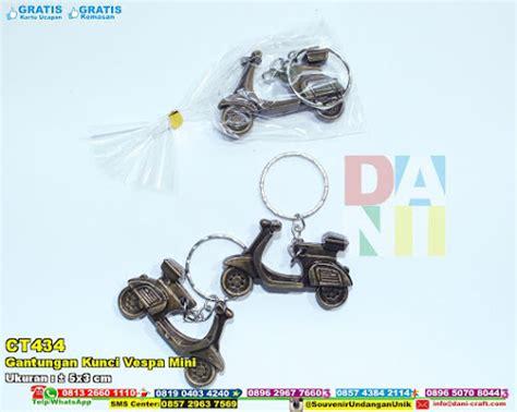 souvenir pernikahan gantungan kunci stepleshekter mini plastik gantungan kunci vespa mini souvenir pernikahan