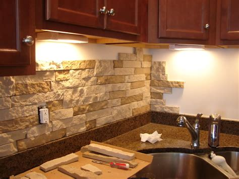 Stone Veneer Kitchen Backsplash by Stilettos And Diapers Diy Stone Backsplash With Airstone