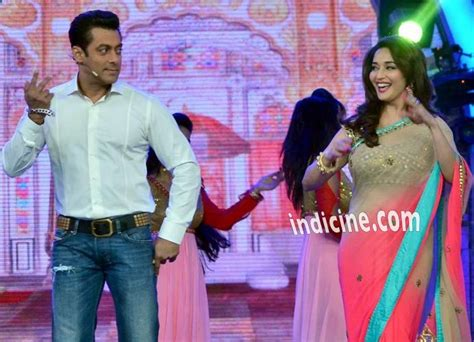 Salman Khan performs with Madhuri Dixit on Bigg Boss