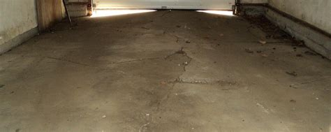 Garage Floor Paint Montreal Garage Floor Repair Before After Garage Apron