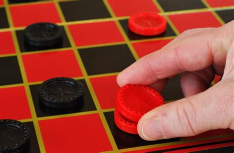 how do you play checkers the best checkers game tutorial games gameonfamily