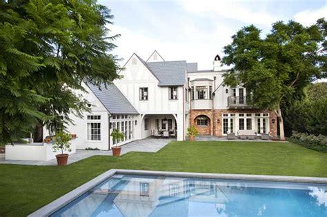 burnham home designs привлекательная классика в работах burnham design пуфик