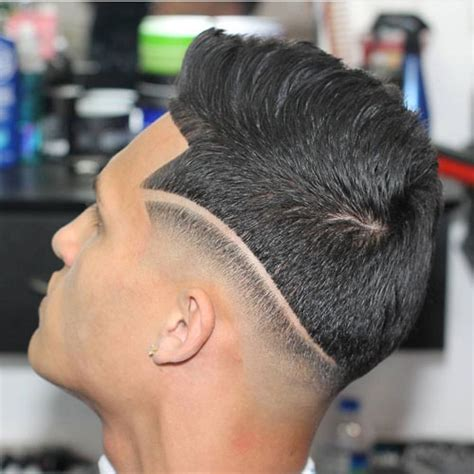 men hairstyles with lines fade haircut 21 shape up haircut styles