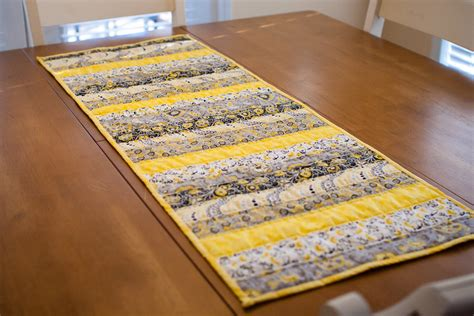 Patchwork Table Runner Pattern - 28 free quilted table runners pattern guide patterns